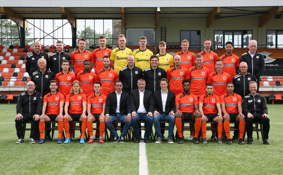 elftalfoto_vv_katwijk_2019_2020_klein_2.jpg
